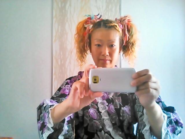 髪型はこんな感じ