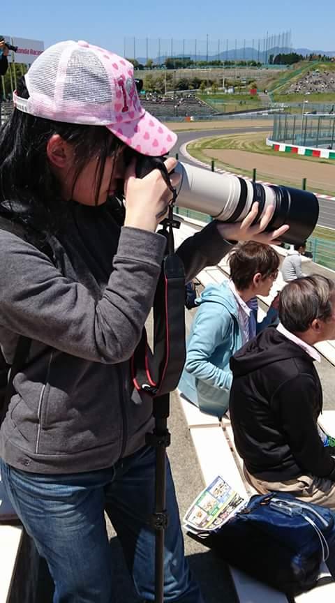 期待のレースカメラマン